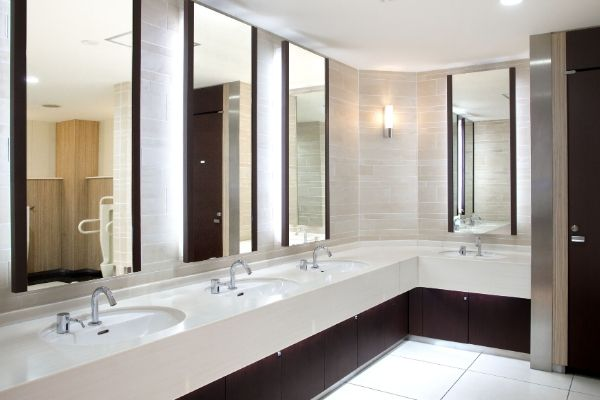 A restaurant washroom was clean by professional restaurant cleaning service