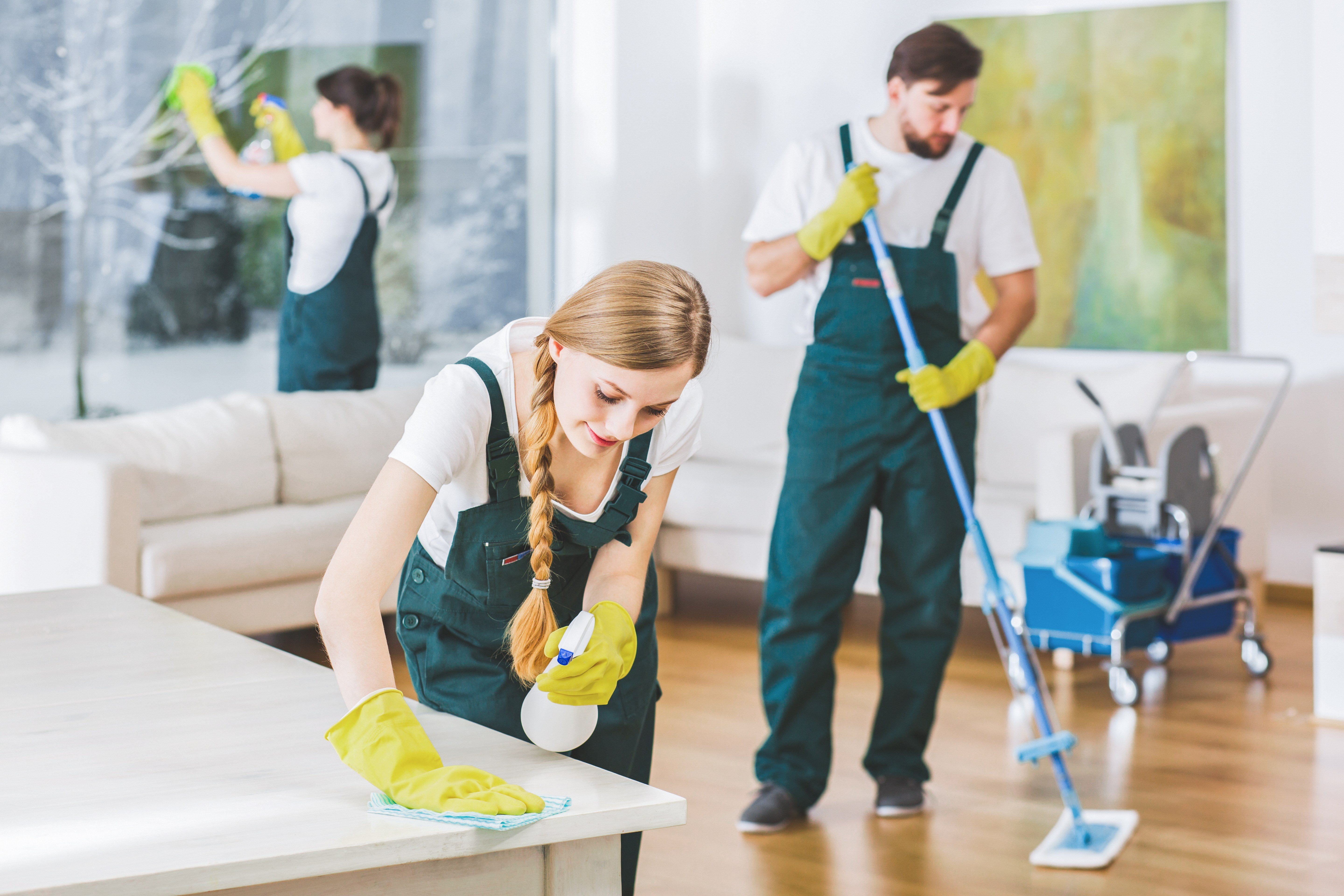 When you move in or out your house, we are here to help you clean up your house or condo in Vancouver