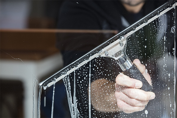 Vancouver window cleaning company is here to your company and home window cleaning